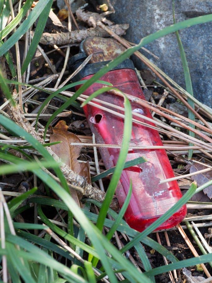 Allumeur jetable abandonné photos libres de droits