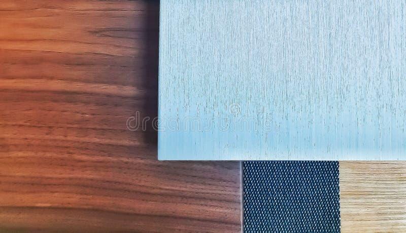Alluminio misto con il moodboard di legno fotografia stock