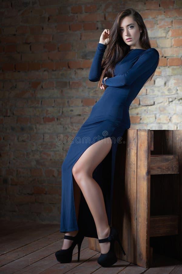 Alluring молодая женщина стоковая фотография rf