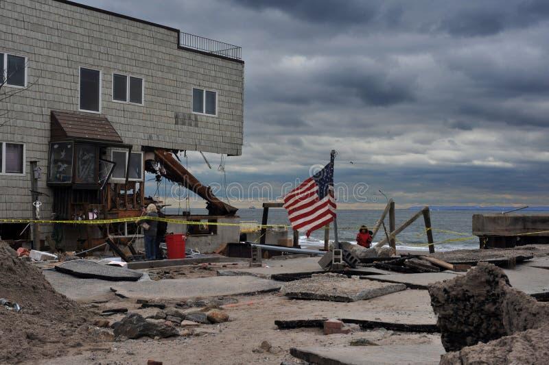Allvarlig skada i byggnaderna på havsporten, NY arkivbild