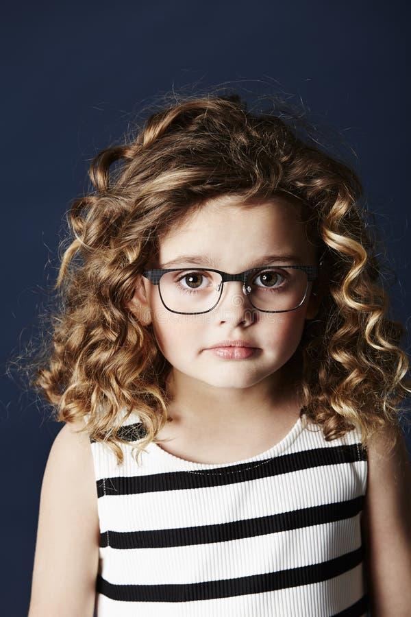 allvarligt barn för flicka arkivfoto