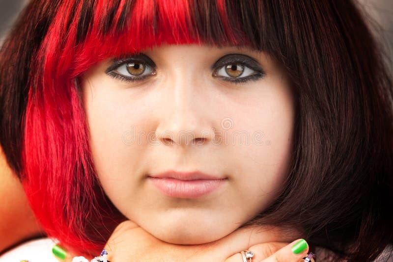 allvarligt tonårs- för flicka royaltyfria foton