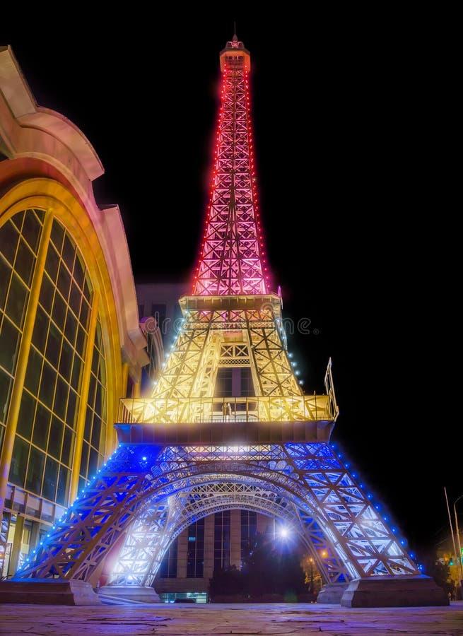 Alma Ata - exemplaar van de Toren van Eiffel stock afbeeldingen