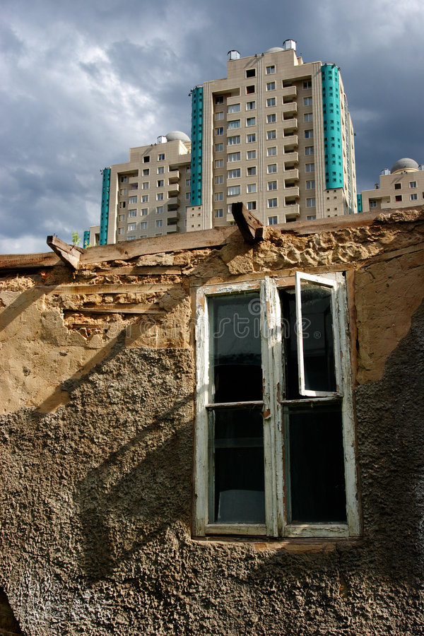 Alma Ata - Stad van contrast stock afbeelding