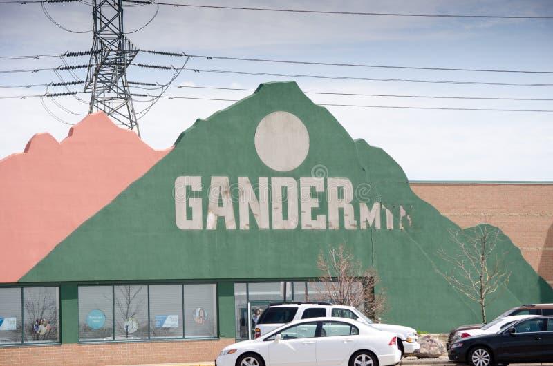 Almacén cerrado de los deportes de la montaña del Gander fotos de archivo libres de regalías