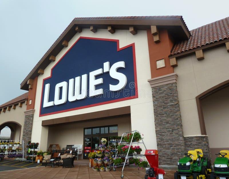 Almacén de las mejoras para el hogar de Lowe foto de archivo libre de regalías
