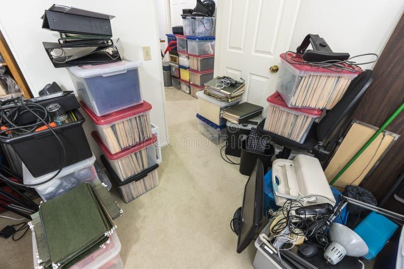 Almacén sucio de la oficina imágenes de archivo libres de regalías
