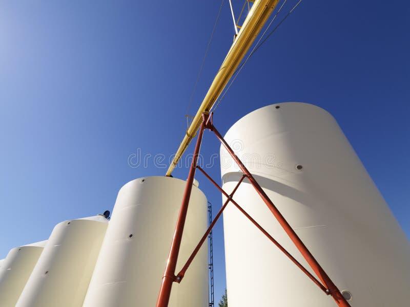 Almacenaje del silo de grano. imagen de archivo