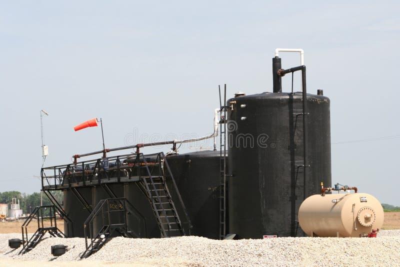 Almacenamiento de aceite del pozo de Fracking foto de archivo libre de regalías