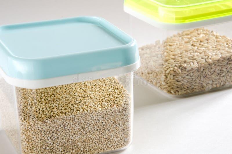 Almacenamiento de la comida Envases de plástico foto de archivo libre de regalías