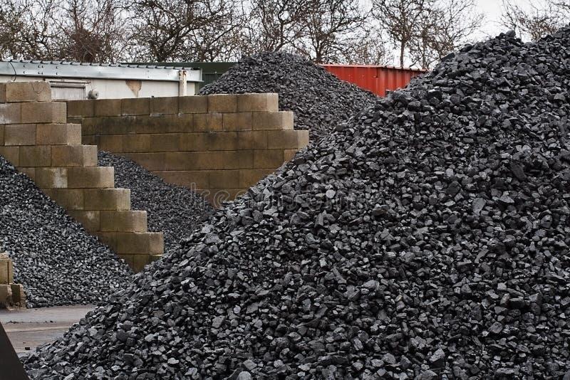 Almacenamiento de la yarda de carbón fotos de archivo libres de regalías