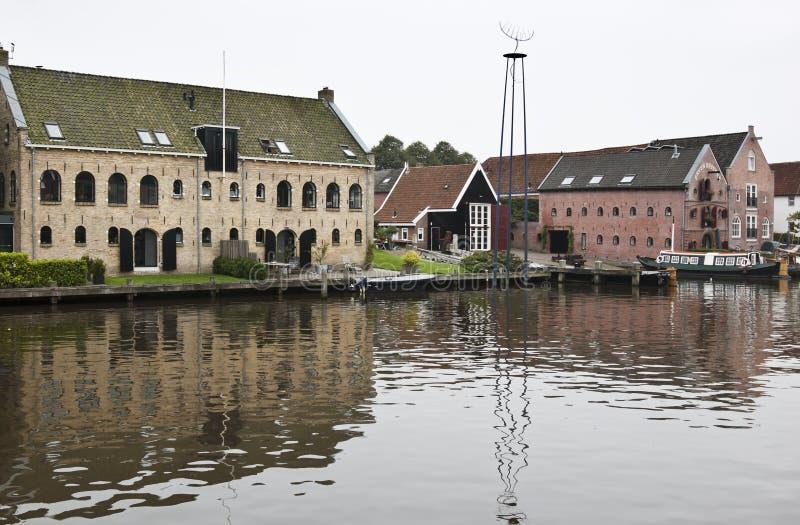 Almacenes antiguos en Dokkum, los Países Bajos fotografía de archivo libre de regalías