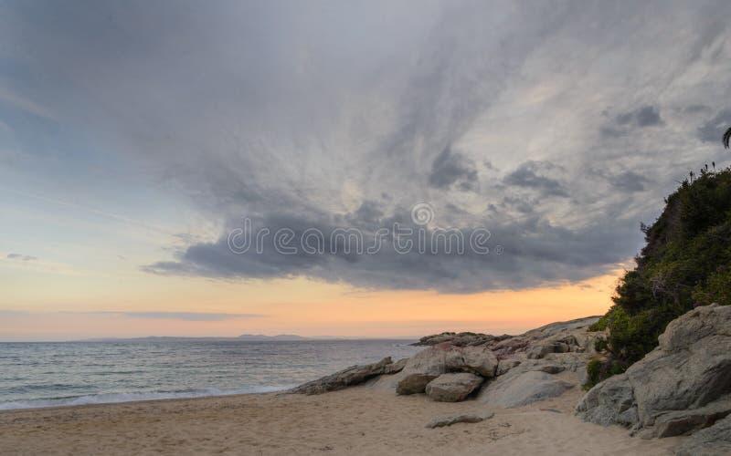 Almadrava海滩,在肋前缘布拉瓦岛,西班牙的玫瑰 库存图片