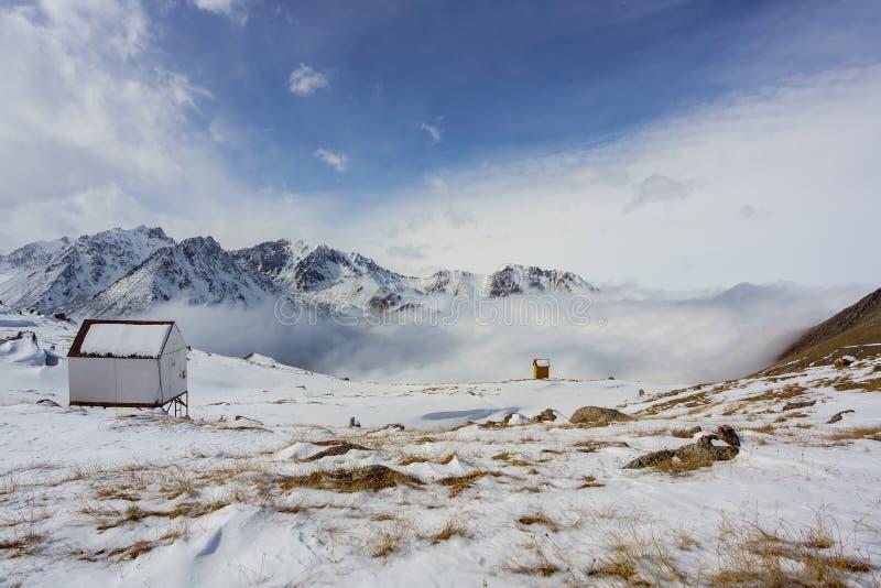 Almaty berg fotografering för bildbyråer