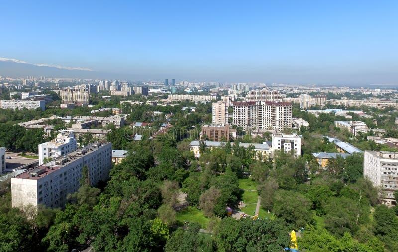 Almaty - flyg- sikt arkivbilder