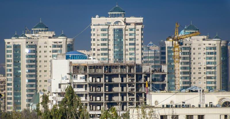 Almaty - modern arkitektur arkivfoton