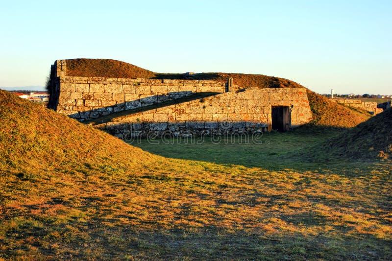 Almeida historisk by stärkte väggar royaltyfria foton