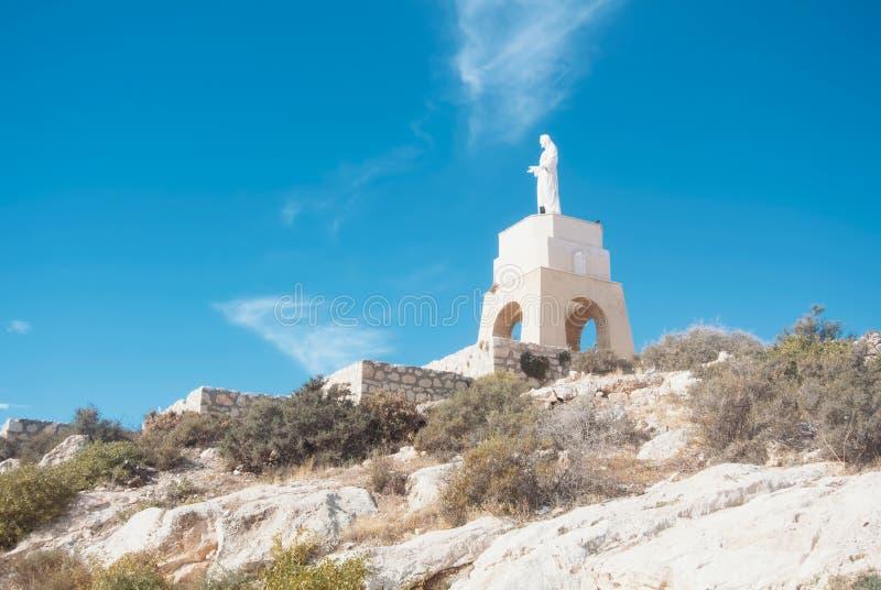 ALMERÍA, ESPAÑA - 11 DE FEBRERO DE 2016: Estatua del corazón sagrado o fotografía de archivo