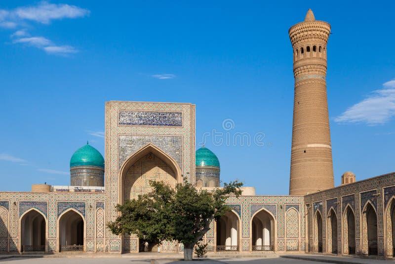 Alminar de la mezquita Kalon y de Kalyan, centro histórico de Bukhara, Uzbekistán imagen de archivo