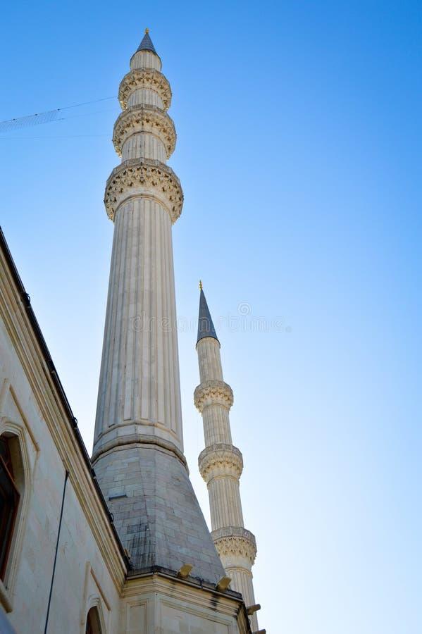 Alminar de la mezquita y cielo azul B?veda, dise?o imágenes de archivo libres de regalías
