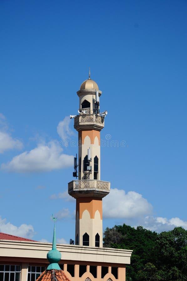 Alminar de la nueva mezquita de Masjid Jamek Jamiul Ehsan a K un Masjid Setapak foto de archivo