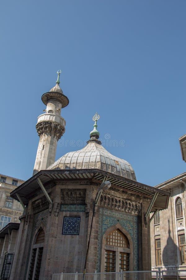 Alminar de las mezquitas del otomano en la visión imagen de archivo libre de regalías