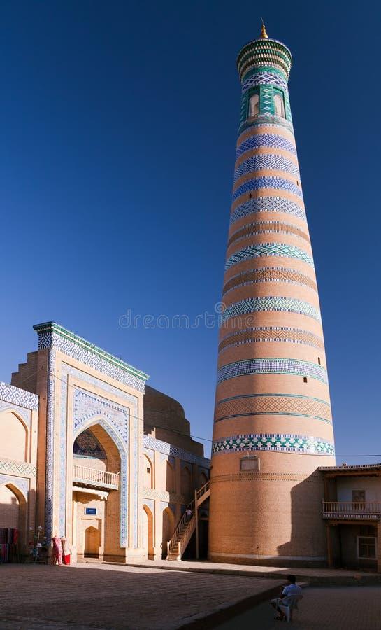 Alminar del hoja de Islom en Itchan Kala - Khiva foto de archivo libre de regalías