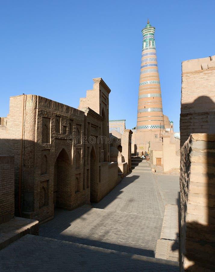 Alminar del hoja de Islom en Itchan Kala - Khiva imagenes de archivo