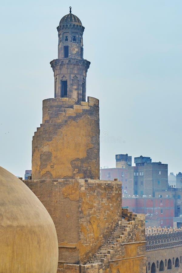 Alminar medieval de la mezquita de Ibn Tulun, El Cairo, Egipto imagen de archivo