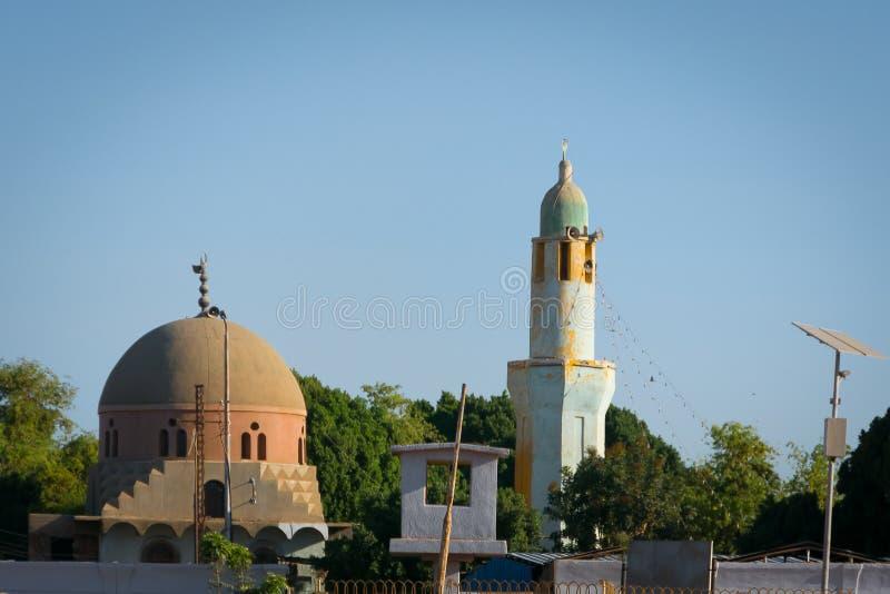Alminares en la ciudad de Edfu Egipto foto de archivo libre de regalías