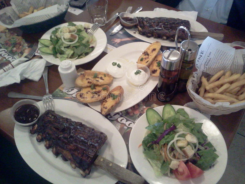 Almoço em Bennigan imagens de stock