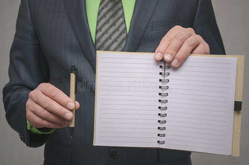 Almofada de nota da página vazia Para fazer o molde da lista Objetivos ou truques do negócio O negócio derruba o conceito Conceit fotos de stock royalty free