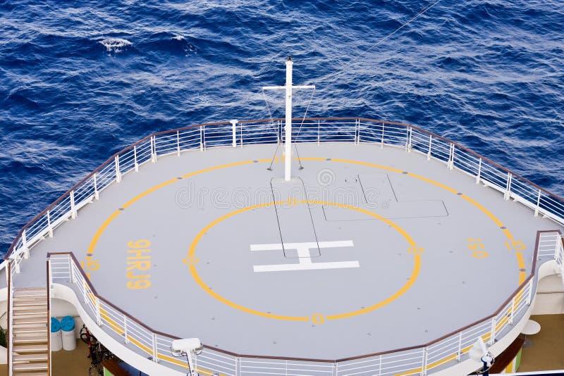 Almofada do helicóptero na curva dos navios foto de stock royalty free