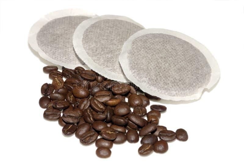 Almofadas e feijões do café imagem de stock royalty free