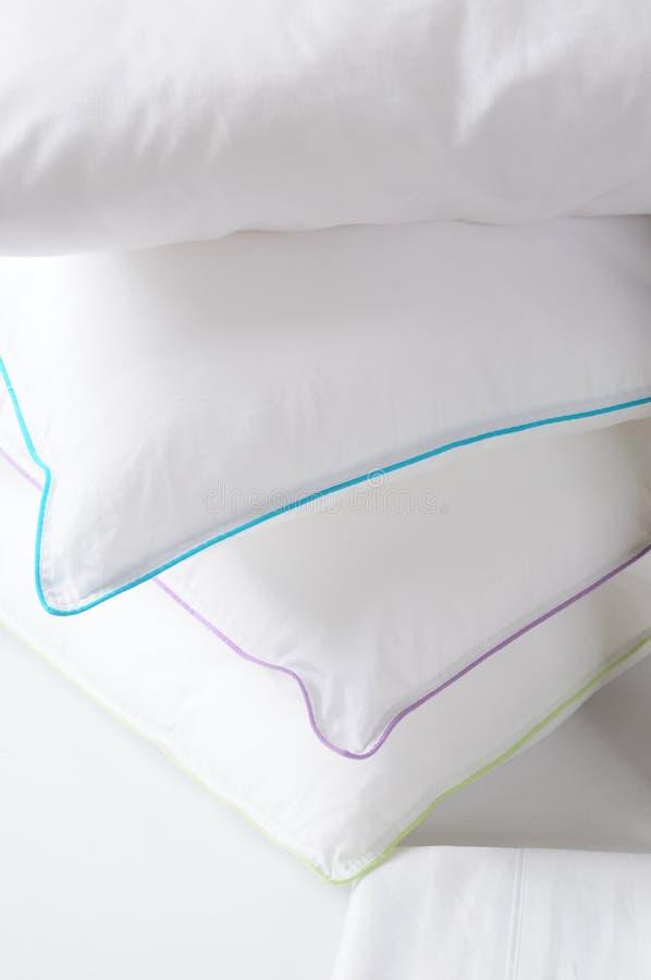 Almohadillas blancas. imágenes de archivo libres de regalías