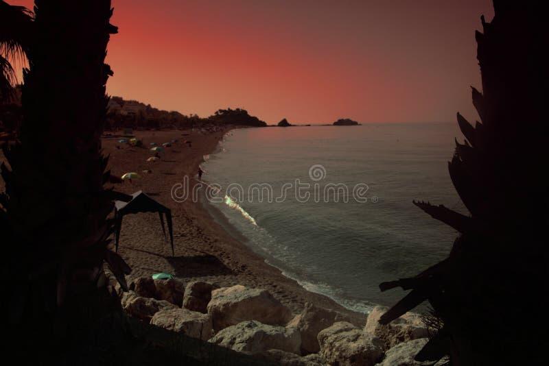 Almuñecar海边在一个晴天2 图库摄影