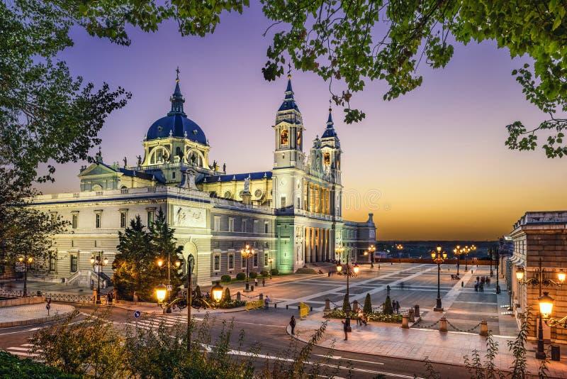 Almudena Cathedral av Madrid, Spanien royaltyfria bilder