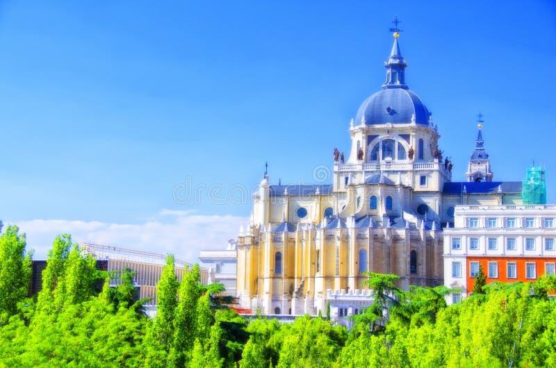 Almudena Cathedral a Madrid, fotografia stock libera da diritti