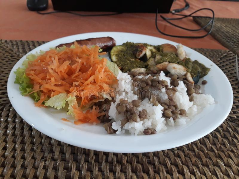 Almuerzo típico y sano foto de archivo libre de regalías