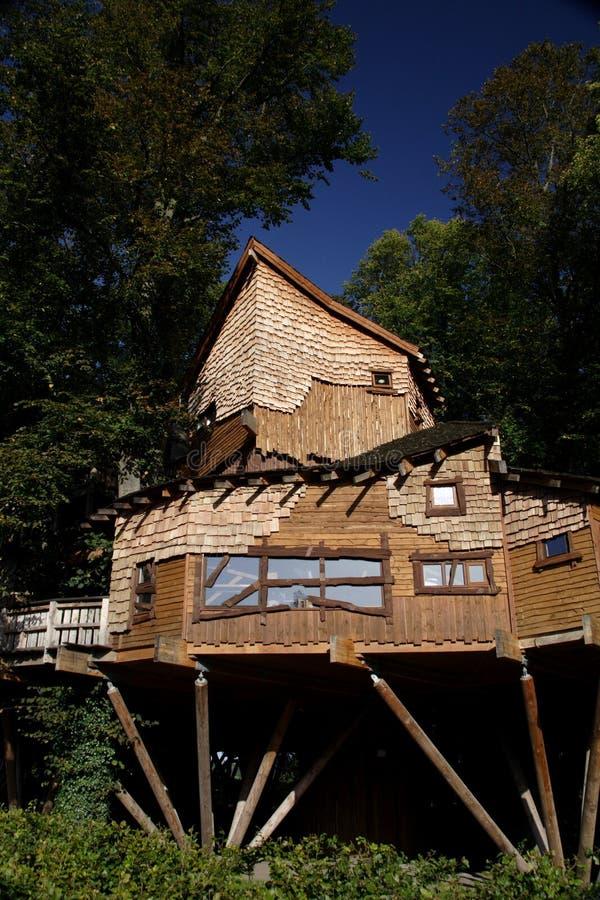 Alnwick garten baumhaus stockbild bild von halle rand 1365961 - Baumhaus garten ...