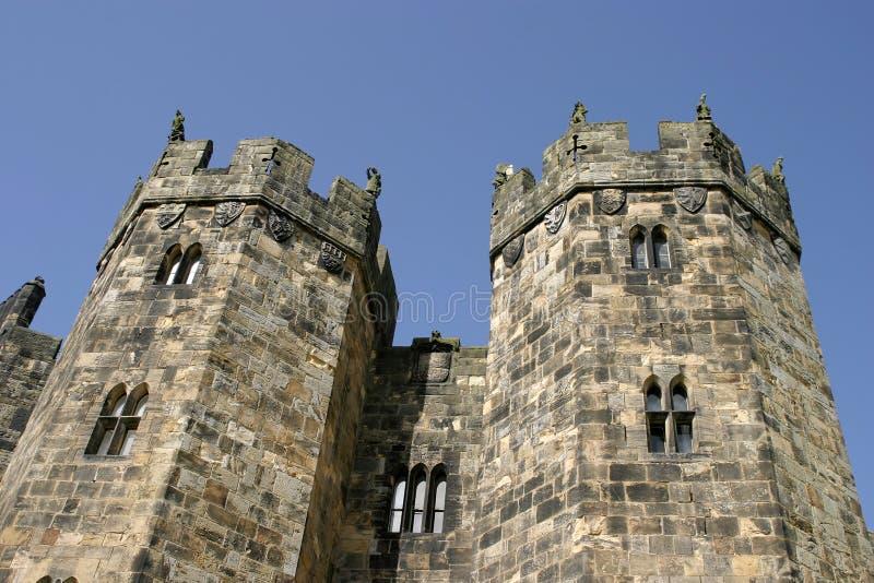 Download Alnwick turrets arkivfoto. Bild av attractor, slott, turist - 519994