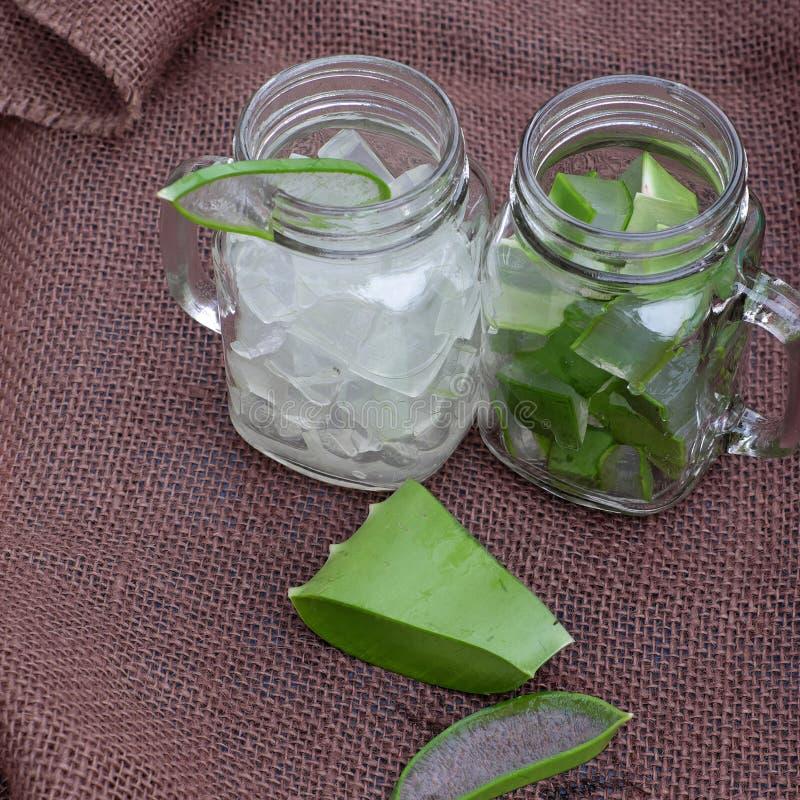 Aloes Vera, miód dla skóry opieki obrazy stock