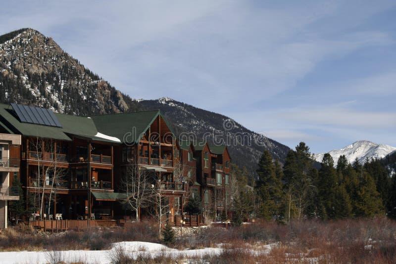 Alojamentos do esqui imagens de stock royalty free