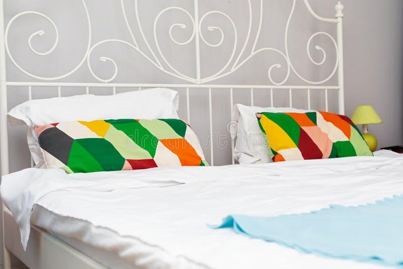 Alojamiento acogedor colorido foto de archivo