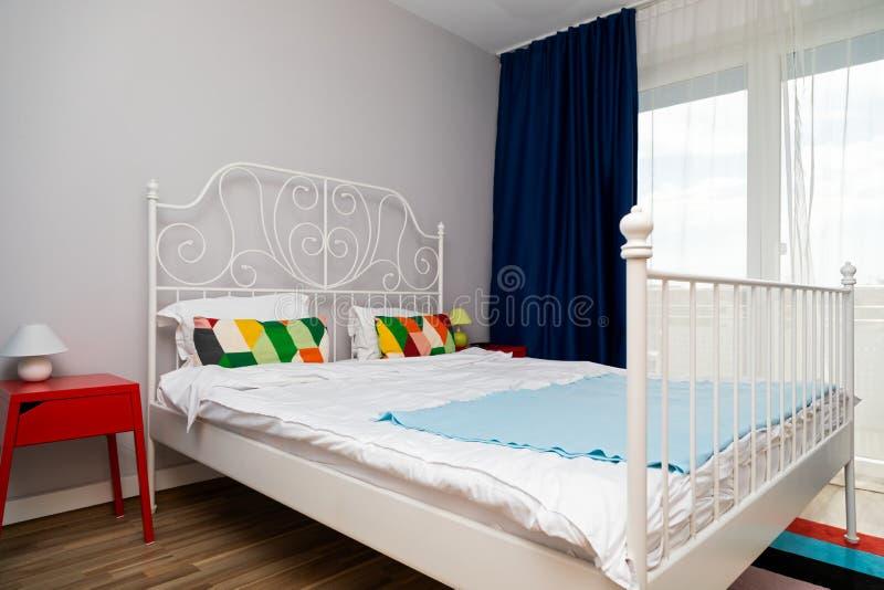 Alojamiento acogedor colorido fotografía de archivo