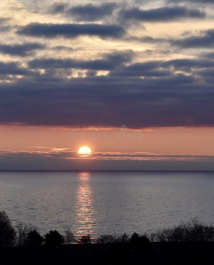 Alone solare all'alba immagini stock
