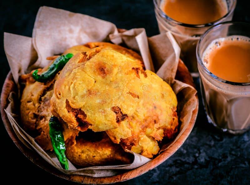 Aloo bonda snack lub uliczna żywność z Indii zdjęcia royalty free