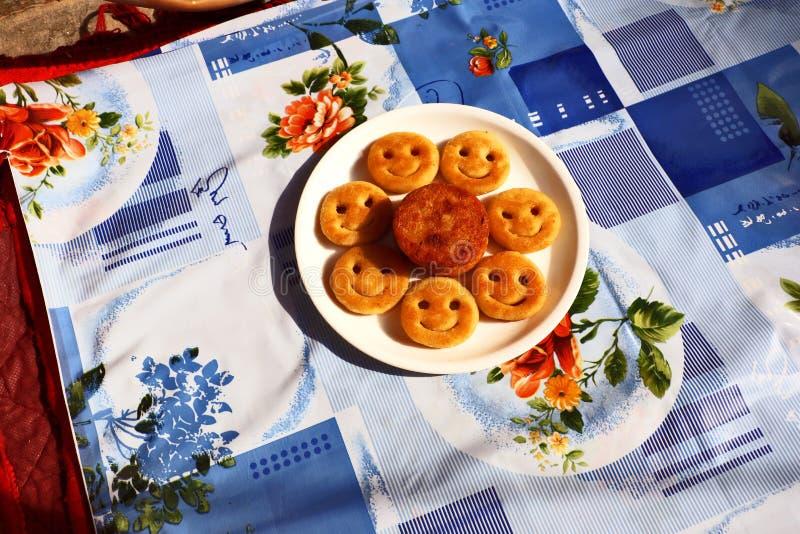 Aloo Tikki或油煎的土豆小馅饼 图库摄影