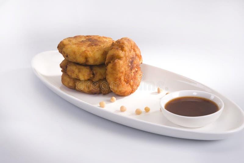 Aloo Tikki of Fried Potato Balls of Chaat stock afbeeldingen