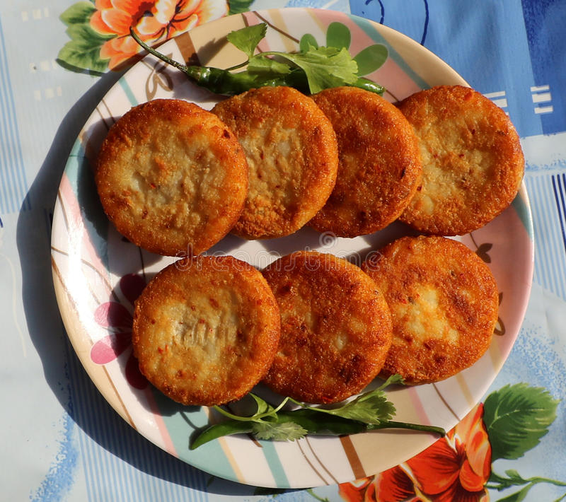 Aloo Tikki oder Fried Potato Patties stockbilder